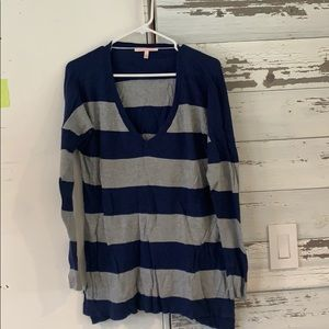 USED v neck sweater GREAT condition